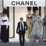 fashion-1-german-designer-karl-lagerfeld-appears-at-the-end-of-the-spring-summer-2009-women-s-ready-to-wear-fashion-show-he-presented-for-french-fashion-house-chanel-in-paris_301